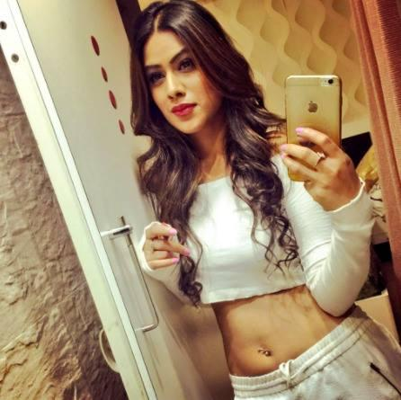 Nia Sharma Wiki,Biography, Age, Height, Weight, Age, Salary, Contact 1