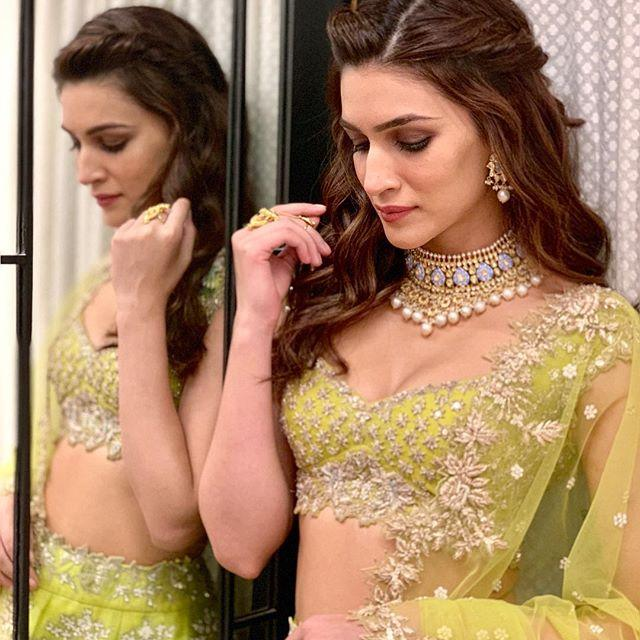 Kriti Sanon Hot Images