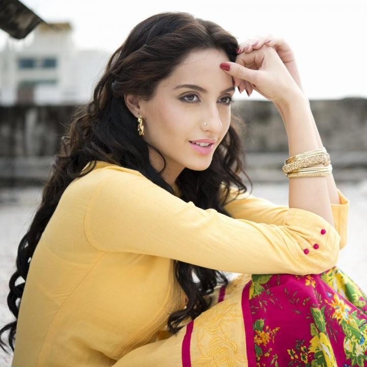 Nora Fatehi Age, Weight, Height, Instagram, Facebook