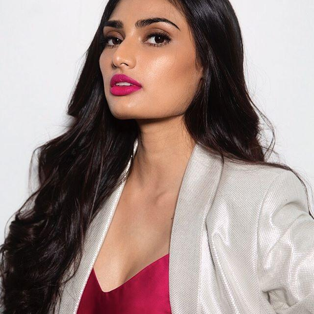 Athiya Shetty Wiki, Age, Height, Weight, Movies & Family 1