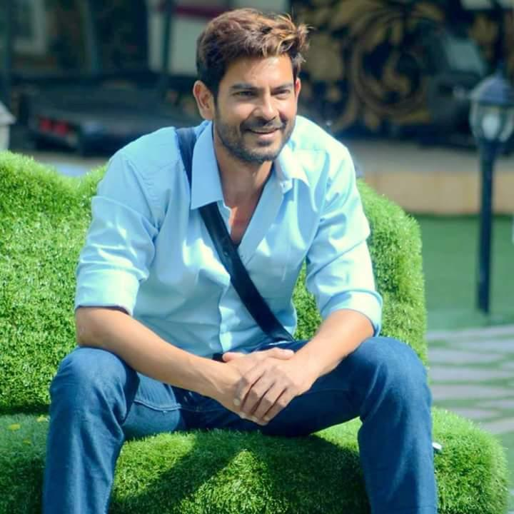 Keith SequeKeith Sequeira Wiki, Age, Height, Wife, Family & Moreira Wiki, Age, Height, Wife, Family & More