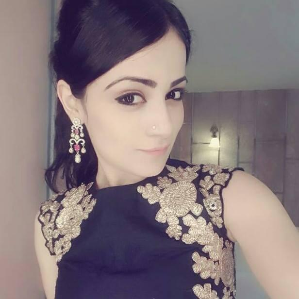 Radhika Madan Wiki, Age, Height, Husband, Family, House