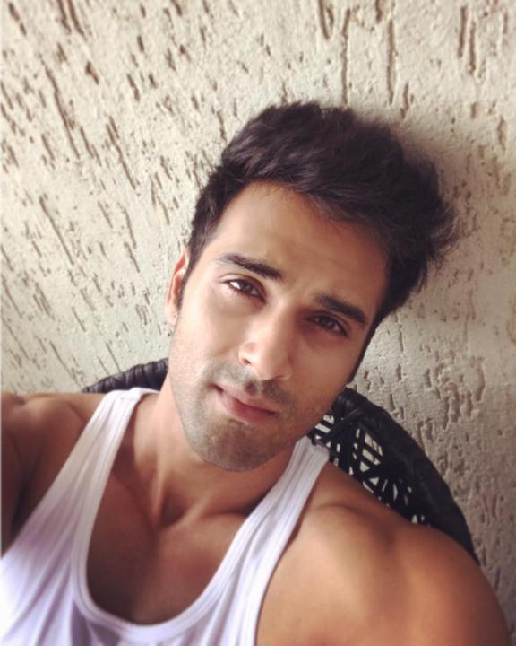 Pulkit Samrat Wiki, Age, Weight, Movies, Wife, Images, Instagram and net worth