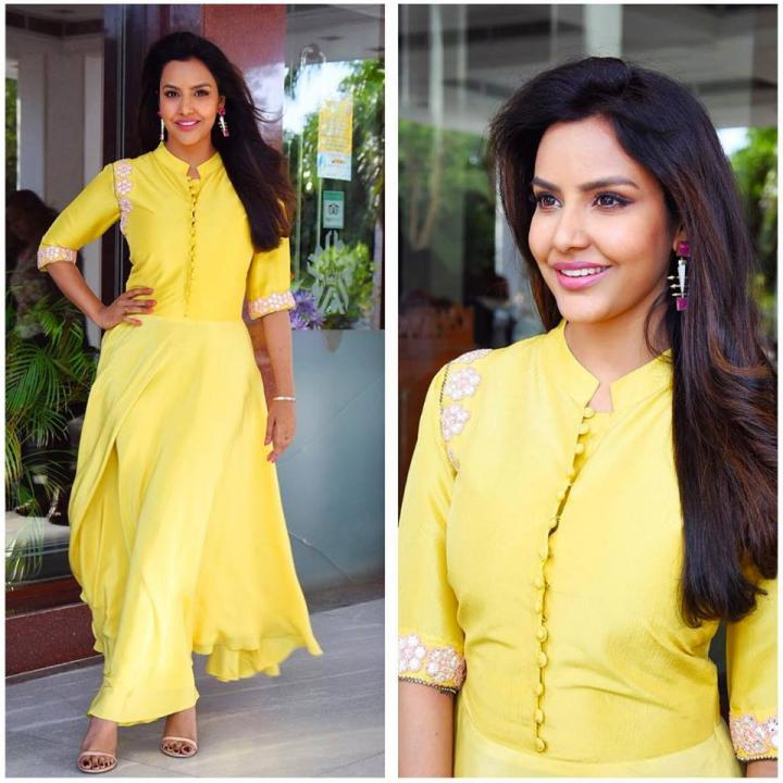 Priya Anand Wiki, Age, Height, Weight, Movies & Instagram