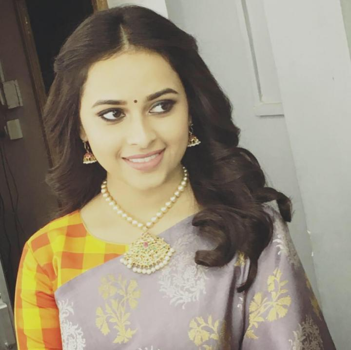 Sri Divya Wiki, Age, Height, Movies, HD Images & Family