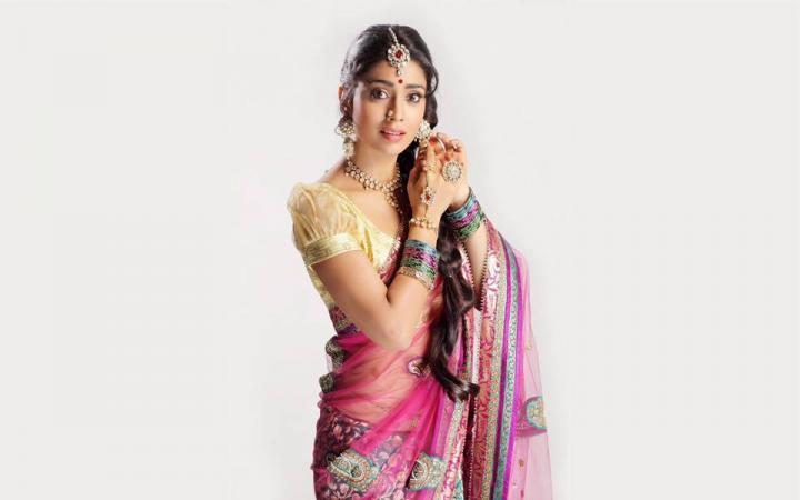 Shriya Saran Wiki, Age, Height, Movies, Instagram, Facebook
