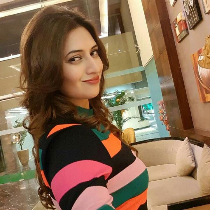 Divyanka Tripathi Wiki, Age, Height, Images, Marriage