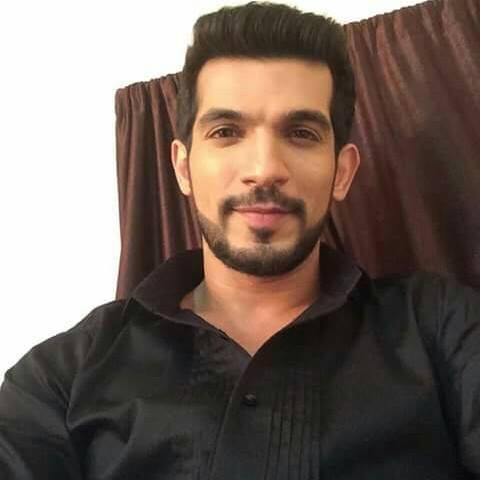 Arjun Bijlani Wiki, Age, Height, Weight, Wife, and Son