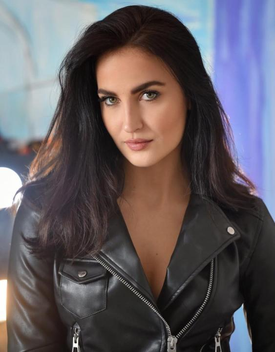 Elli Avram Wiki, Height, Weight, Age, Movies and Instagram