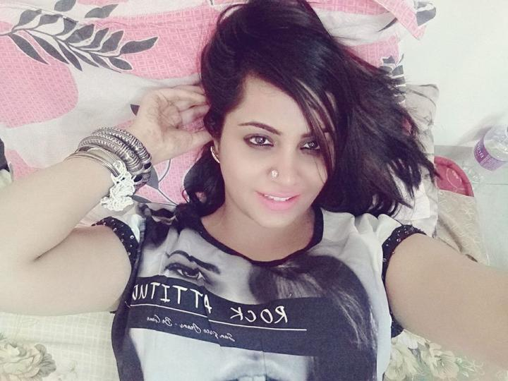 Arshi Khan Wiki, Age, Height, Weight, Family and Movies List