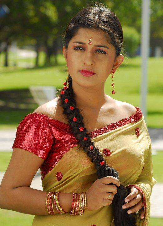 Meera Jasmine Wiki, Age, Height, Weight, Marriage, Family, Husband