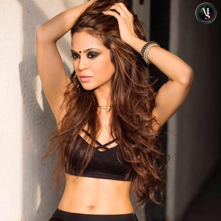 Sana Saeed Wiki, Age, Height, Weight, Movies, Images