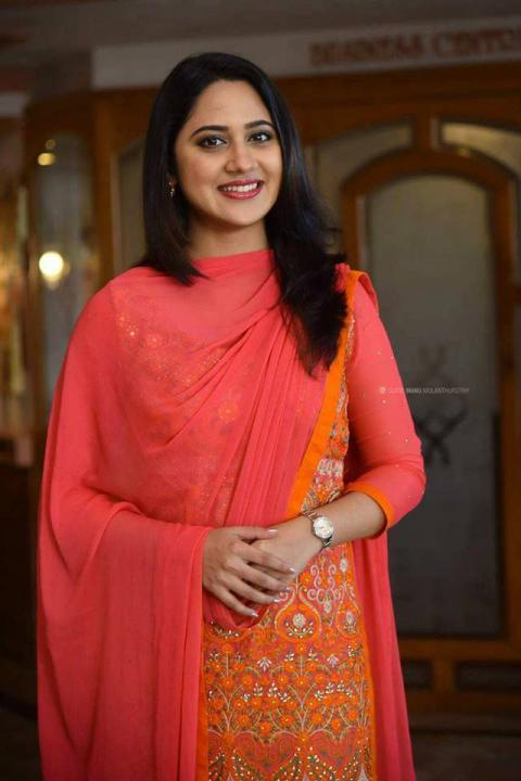 Mia George (Miya) Wiki, Age, Height, Weight, Family, Salary