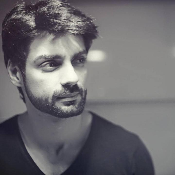Karan Wahi Wiki, Age, Height, Weight, Wife, Family