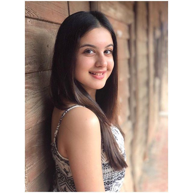 Tunisha Sharma bio