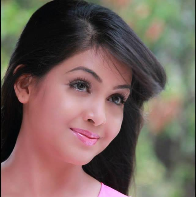Shubhangi Atre Wiki, Age, Height, Weight, Family