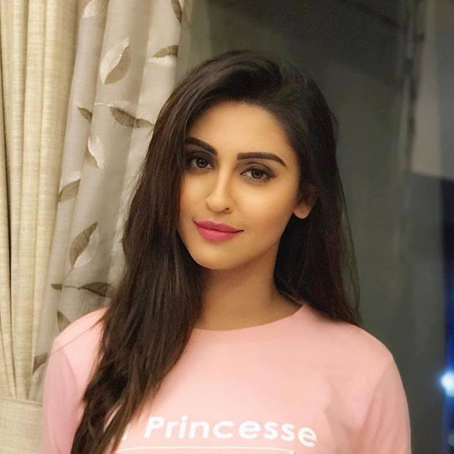 Krystle D'souza Wiki, Height, Weight, Age, Family, Photos