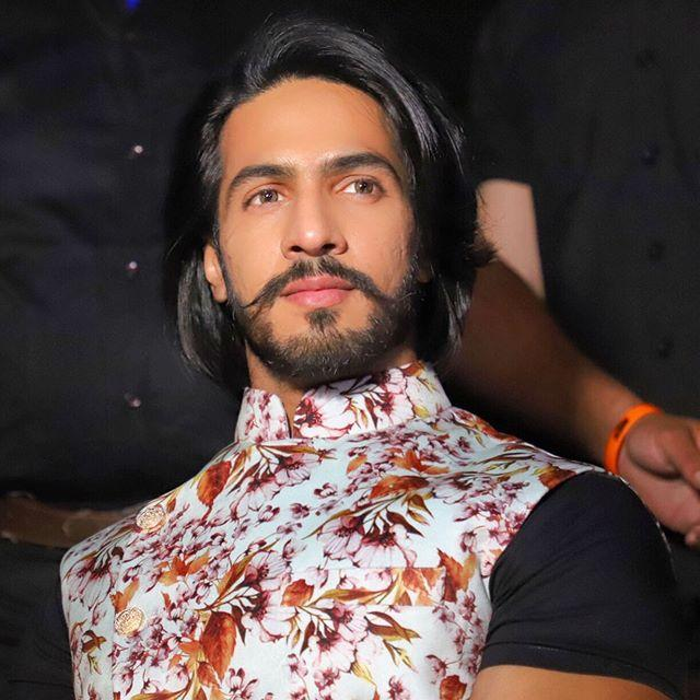 Thakur Anoop Singh Wiki, Age, Height, Weight, Images 4