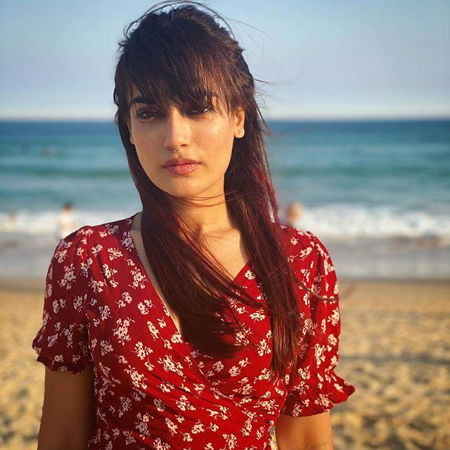 Surbhi Jyoti Wiki, Age, Height, Weight, Photos, Family 4
