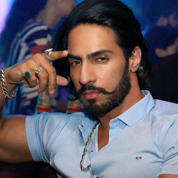 Thakur Anoop Singh Wiki, Age, Height, Weight, Images 5