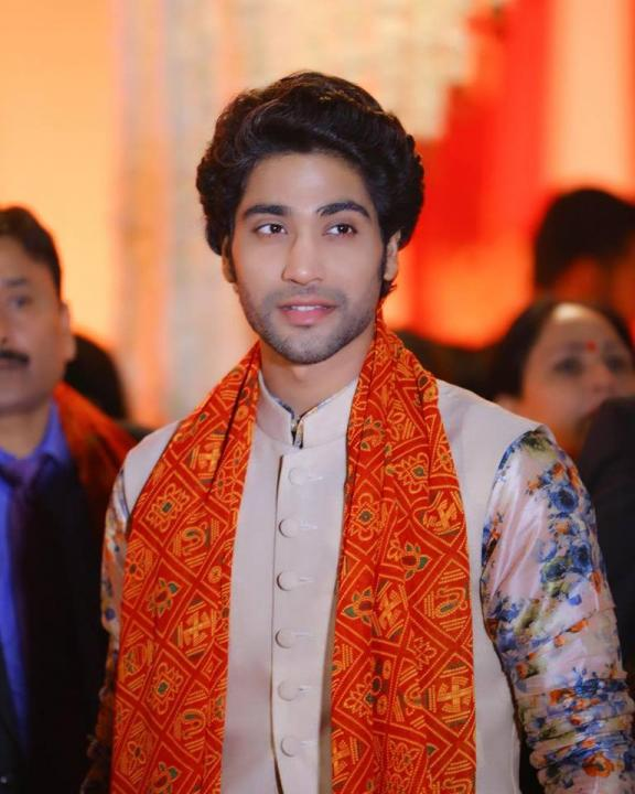 Sanam Johar Wiki, Age, Height, Weight, Marriage, Family