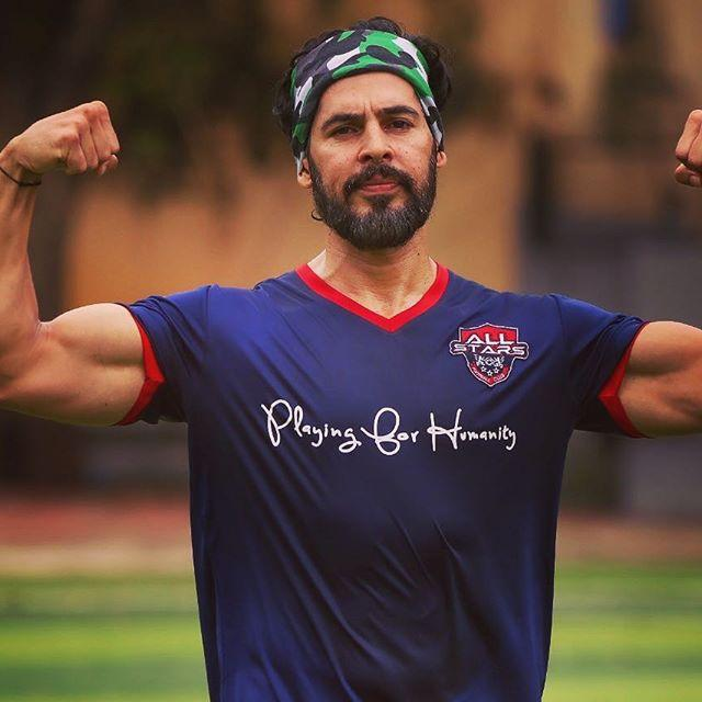 Dino Morea Wiki, Age, Height, Weight, Wife, Marriage, Family 4
