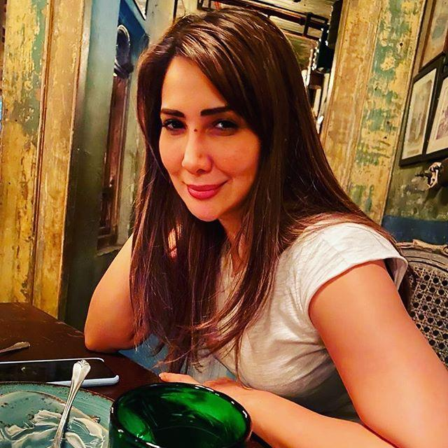 Kim Sharma Wiki, Age, Height, Weight, Parents, Mother, Family 7