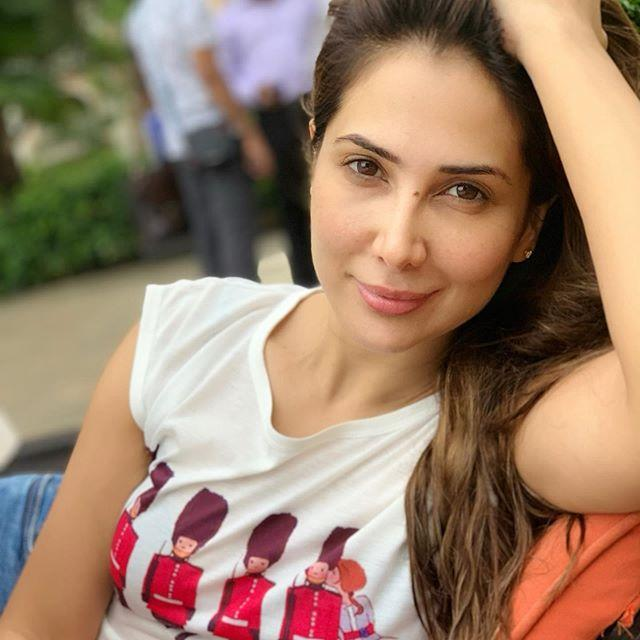 Kim Sharma Wiki, Age, Height, Weight, Parents, Mother, Family 1