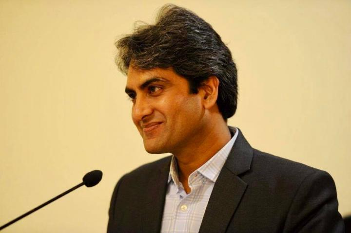 Sudhir Chaudhary Wiki, Age, Height, Weight, Son, Wife, Net Worth
