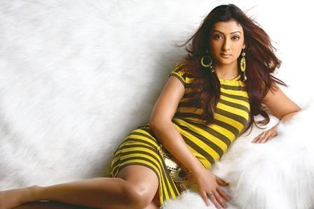 Juhi Parmar Wiki, Husband, Age, Height, Weight, Daughter, Sister