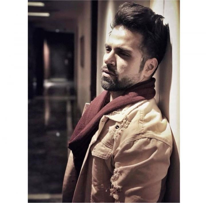 Rithvik Dhanjani Wiki, Age, Height, Weight, Wife, Instagram