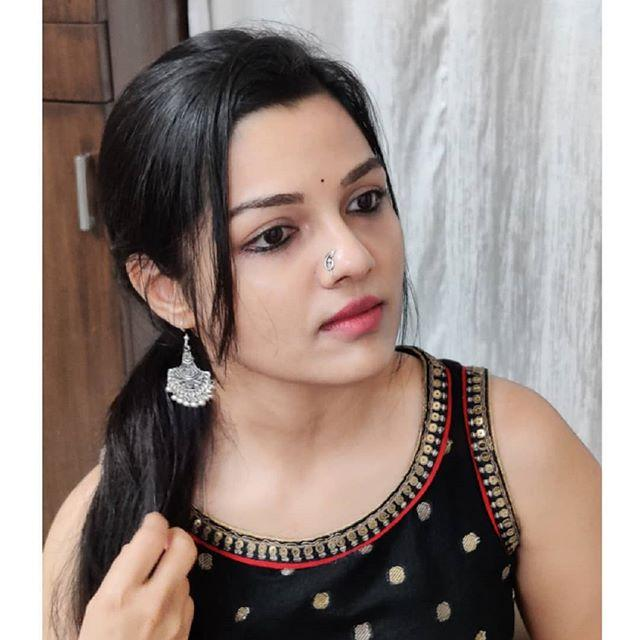 Aarya Ambekar bio