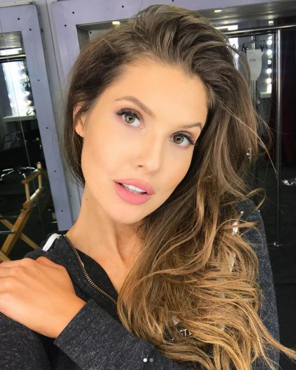 Amanda Cerny Wiki, Biography, Height, Weight, Image, Family