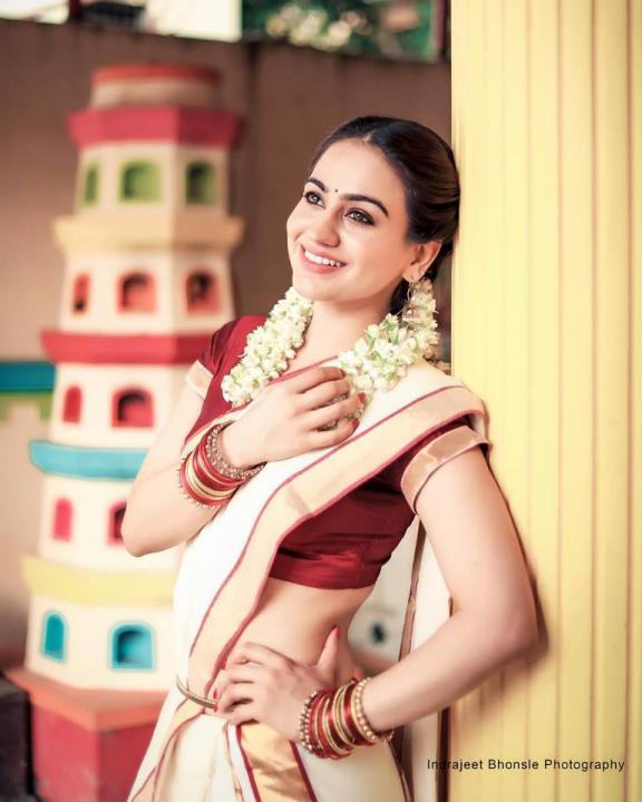 Aksha Pardasany Wiki, Biography, Age, Height, Weight, Family