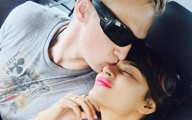 Aashka Goradia With Husband