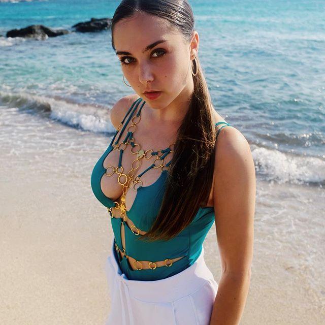 Lila Lacombe Hot