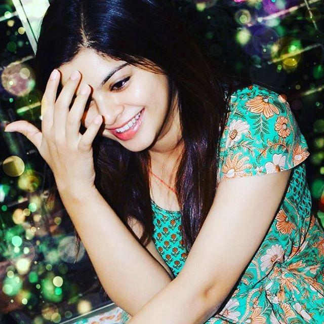 Sneha Wagh Actress