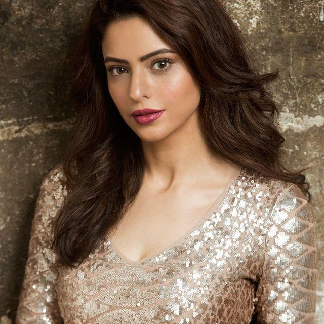 Aamna Sharif Kapoor Biography