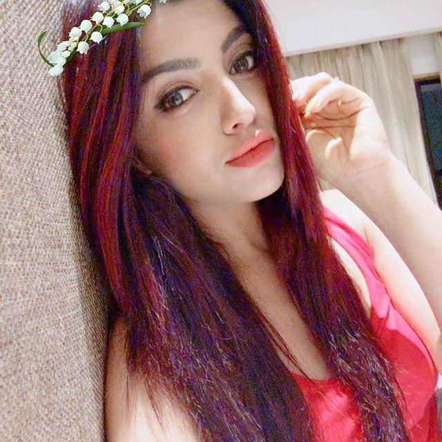 Akanksha Puri hot