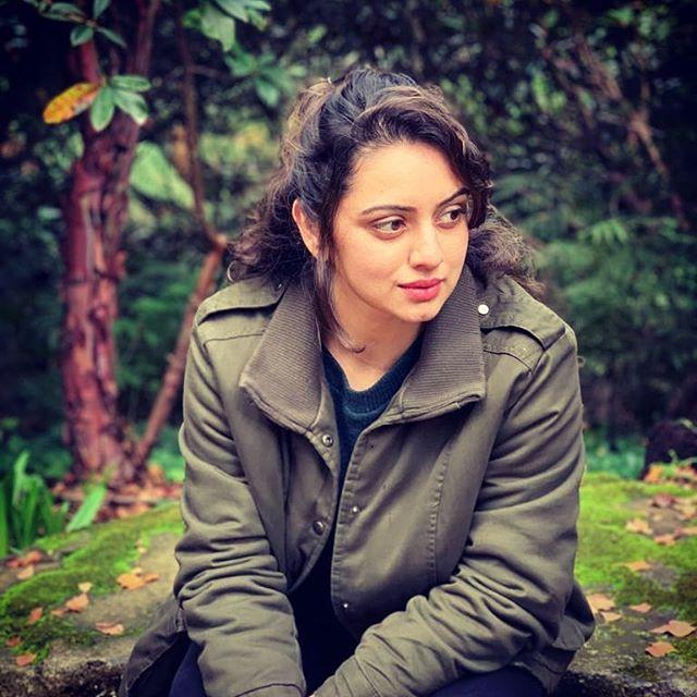 Shruti Marathe Biography, Age, Height, Family, Salary 2