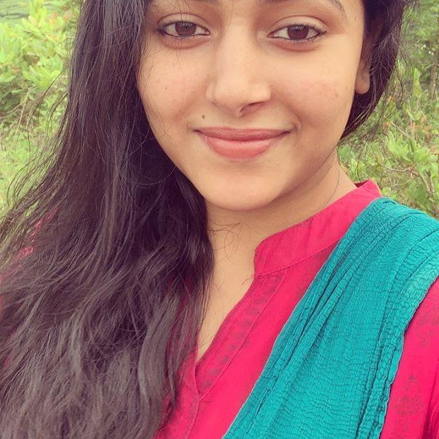 Anu Sithara Wiki, Biography, Age, Height, Family, Salary & Images 2