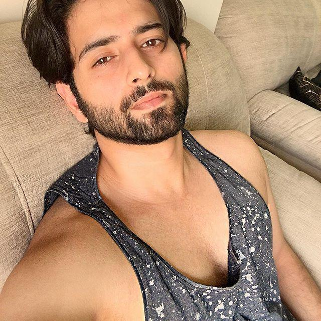 Mudit Nayar Wiki, Biography, Age, Height, Family, Salary & Images 4