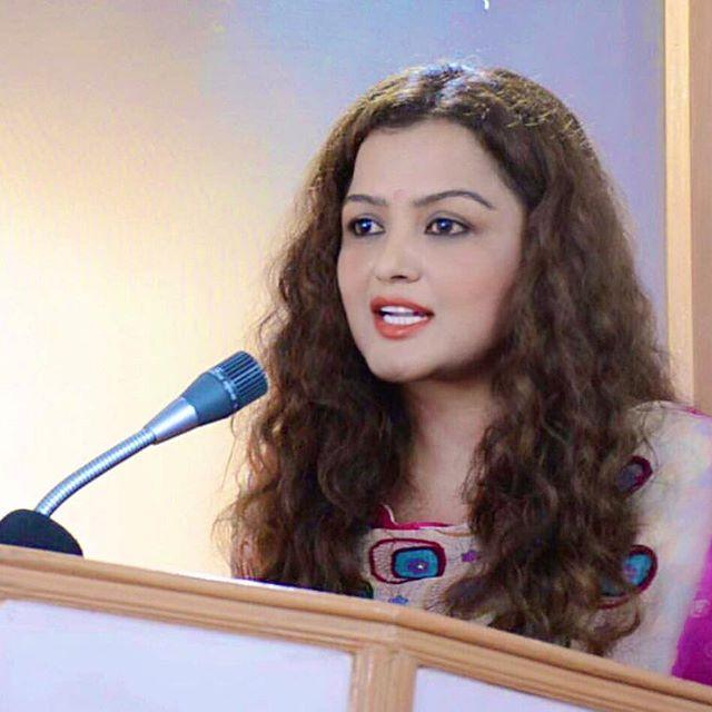 Rekha Thapa Wiki, Biography, Age, Height, Family, Salary & Images 2