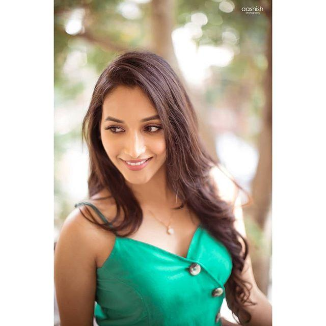 Srinidhi Shetty Wiki, Biography, Age, Height, Family, Salary & Images 8