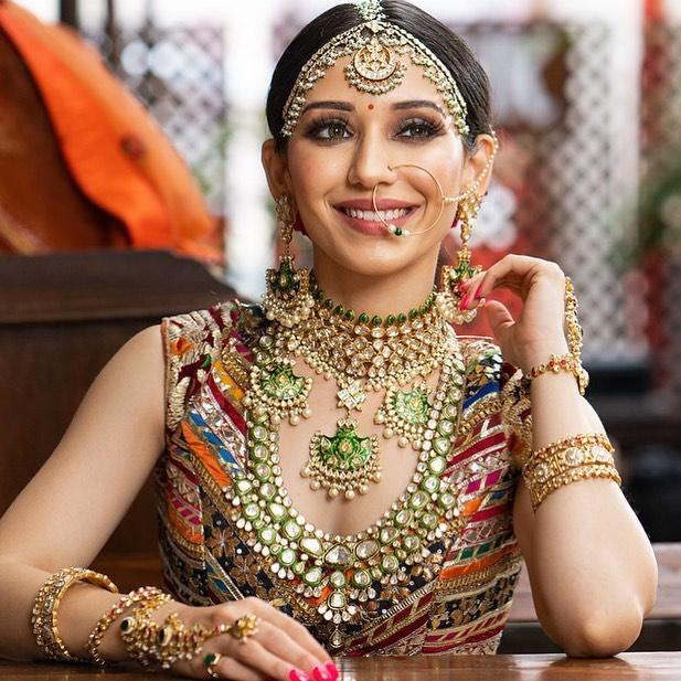 Heli Daruwala biography